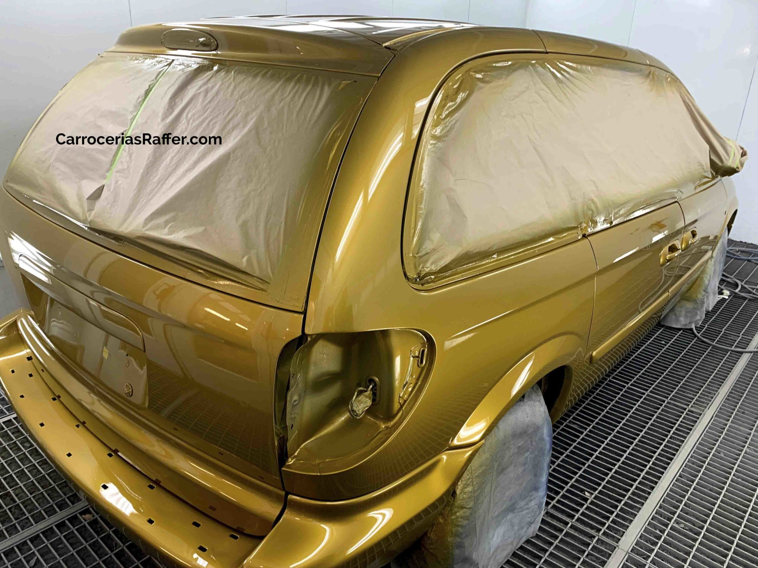 00011 chrysler voyager amarillo curcuma carrocerias raffer pintar furgoneta hernani gipuzkoa donostia san sebastian copia
